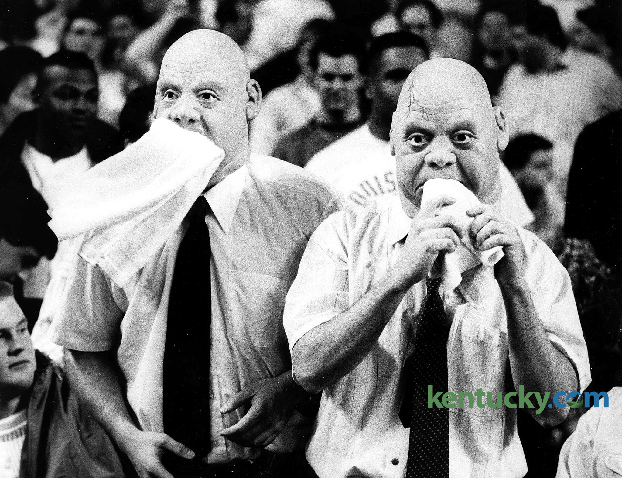 Louisville Basketball Fans Mimic UNLV Coach Jerry Tarkanian During The Cards 97 85 Loss