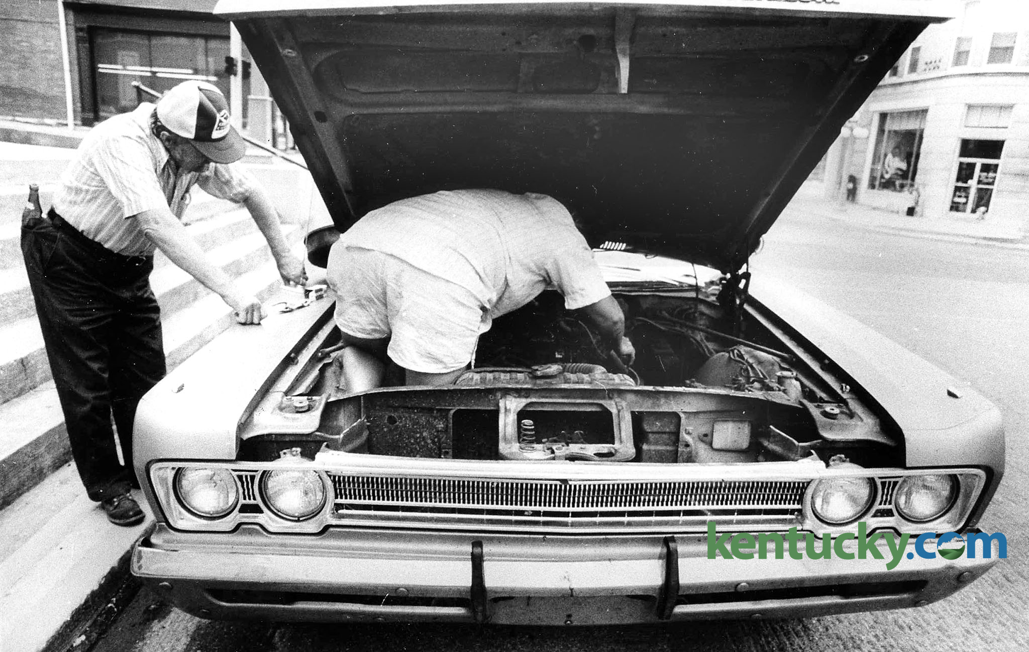 Do it yourself auto repair 1985