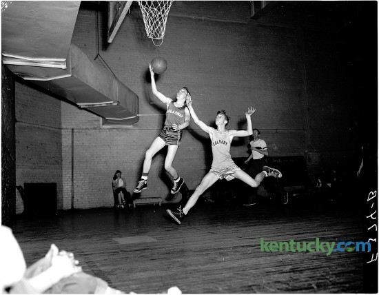 Basketball game at the Lexington YMCA between Calvary Baptist Church and Broadway Christian Church, February, 1951. Herald-Leader archive photo