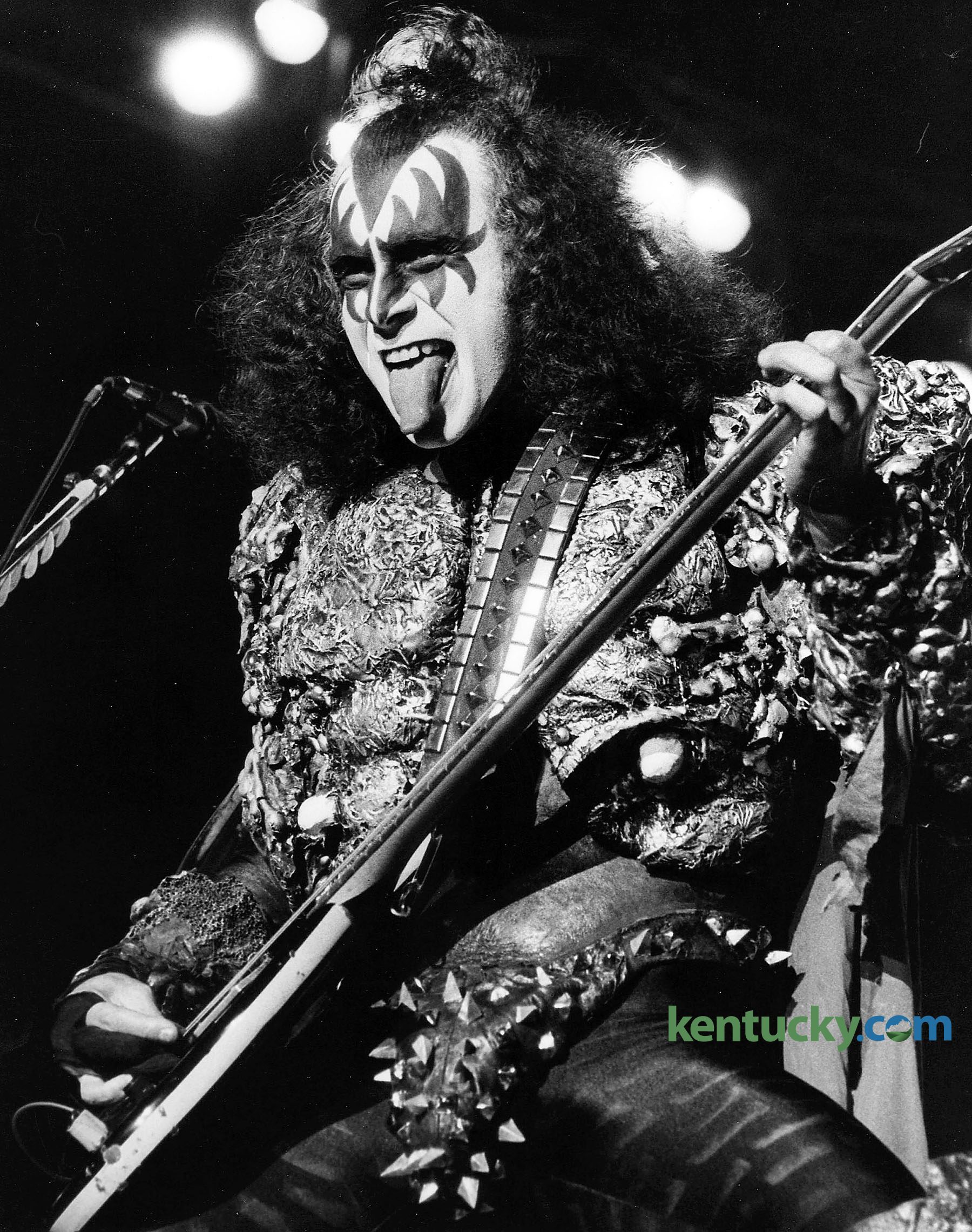 kentucky photo archive photos from the lexington herald leader gene simmons bass guitarist co lead vocalist of kiss played in rupp