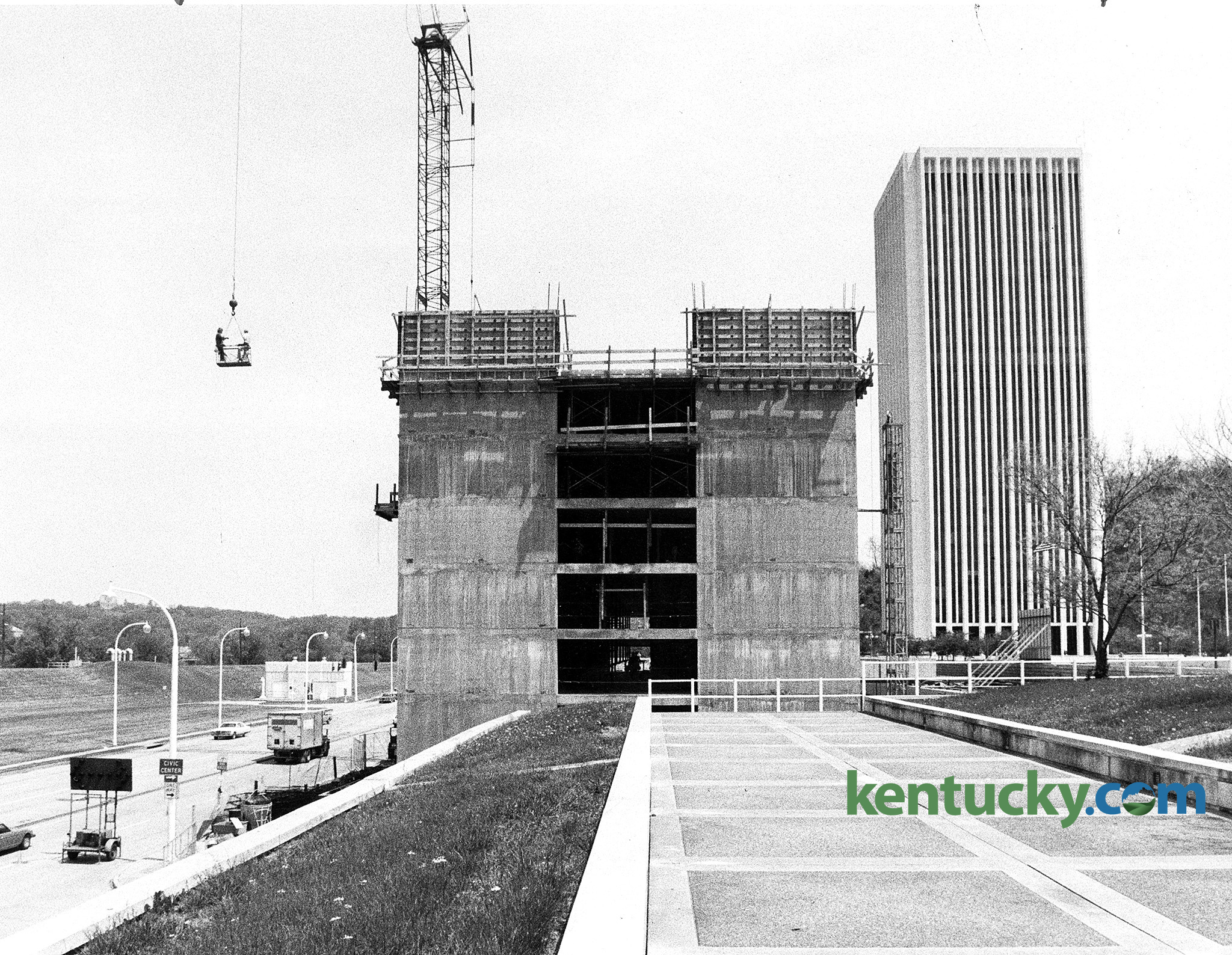 Construction Continued On The Capital Plaza Hotel In Frankfort May 11 1983