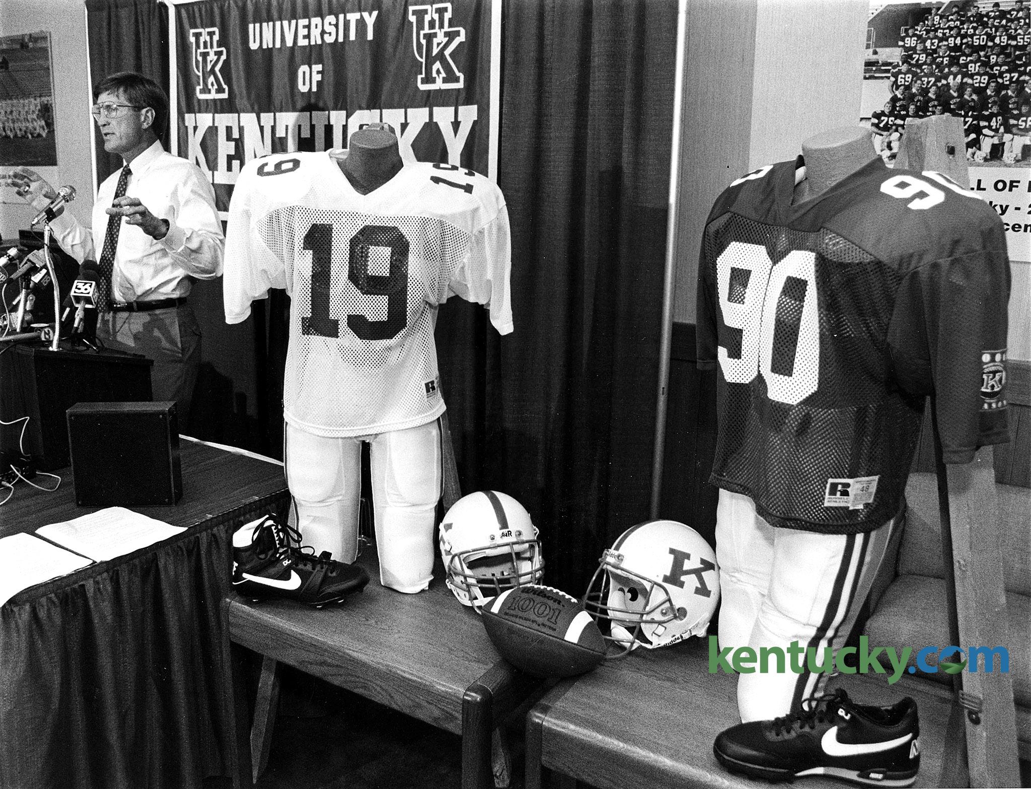 New Uk Football Uniforms 1990 Kentucky Photo Archive