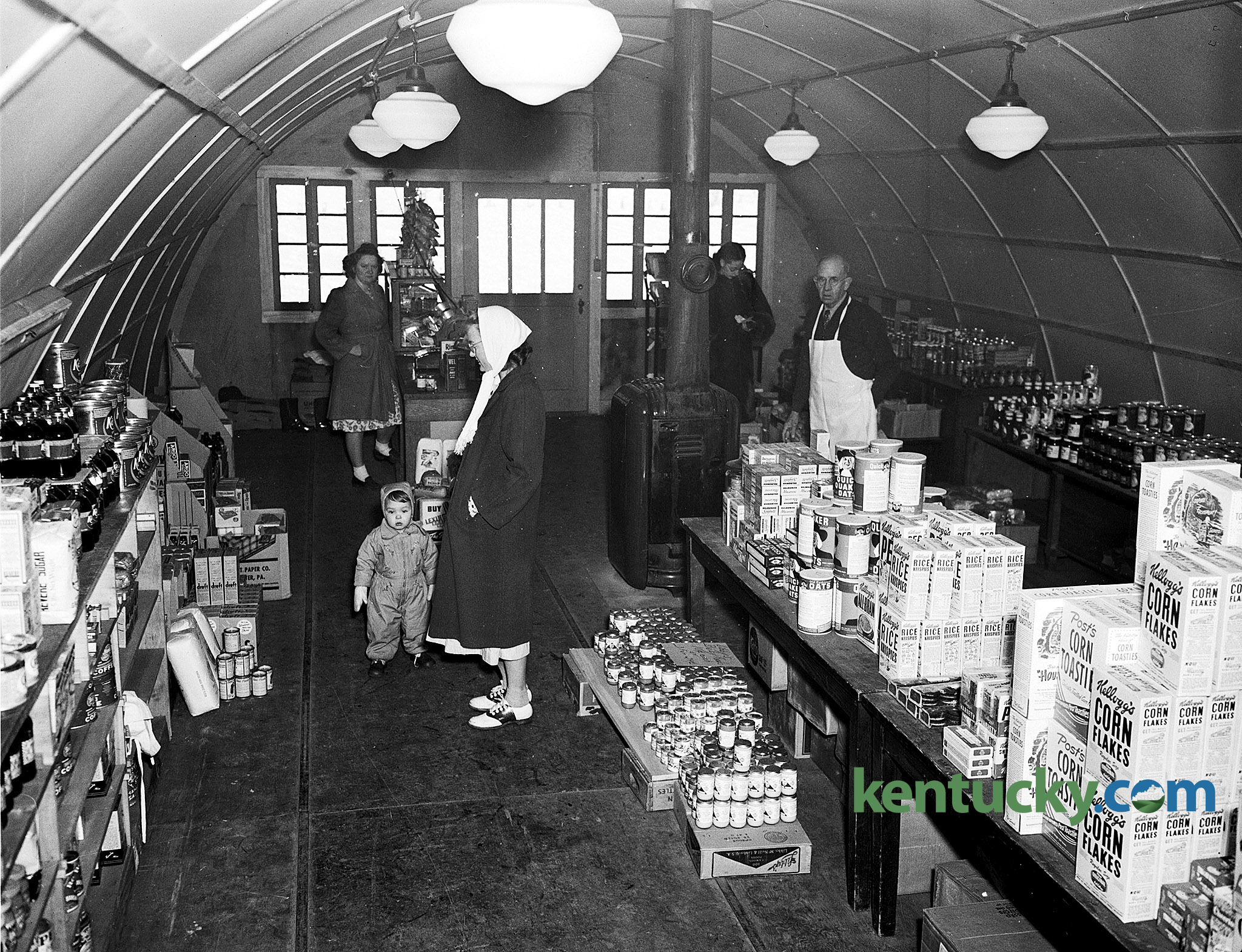 White apron in store - Interior View Of The Community Grocery Store In Cooperstown On The University Of Kentucky Campus