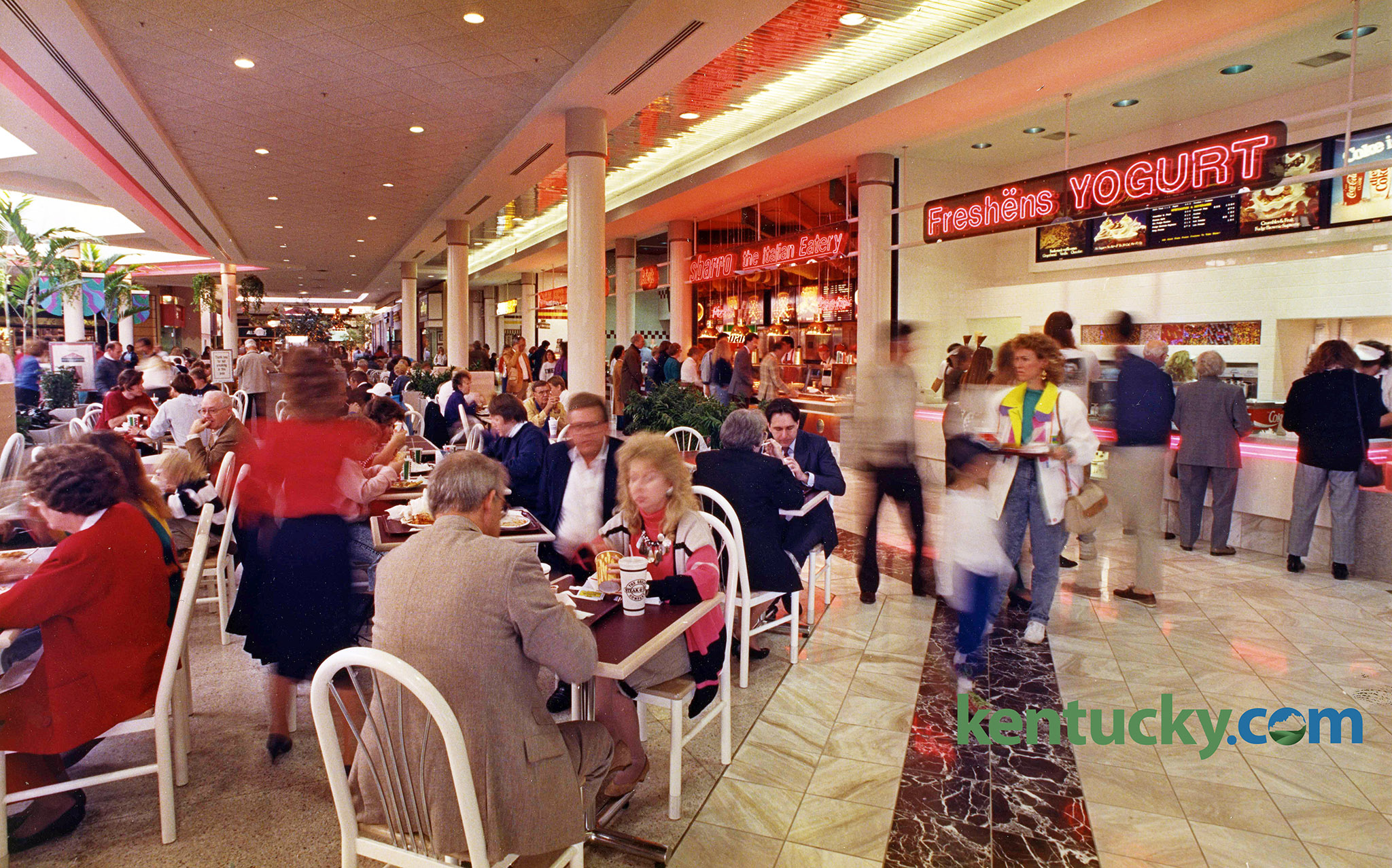 The 20 000 Square Foot Food Court Shown Here On Nov 18 1990 Was Built Mall S West Side Where A Courtyard Near Movie Theaters Had Been